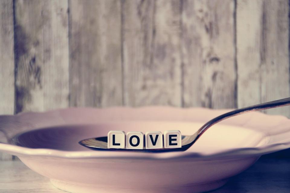 como-mejorar-tu-relacion-con-la-comida