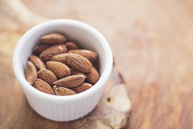 cinco-snacks-veganos-que-no-pueden-faltar-en-mi-cuarentena